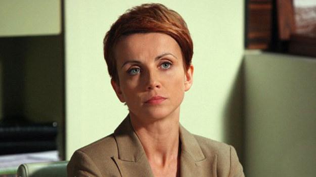 Marta (Katarzyna Zielińska) uzna, że nie sposób skleić tego, co raz się stłukło. Nie ma co liczyć na kogoś, kto zdradził. /ARTRAMA