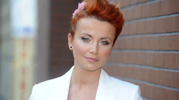 Marta (Katarzyna Zielińska) wygra sprawę w sądzie i usłyszy oświadczyny / fot. Andras Szilagyi /MWMedia