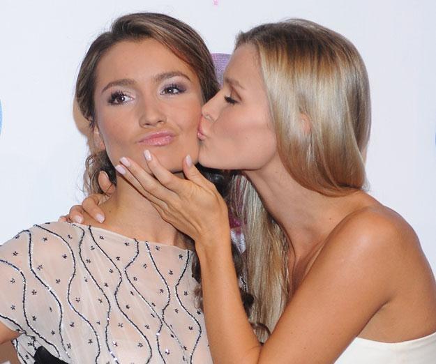 Marta Krupa (z lewej) z siostrą Joanną /MWMedia