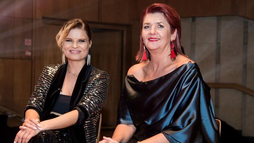 """Marta Manowska i Nina Busk na planie """"The Voice Senior"""" /TVP"""