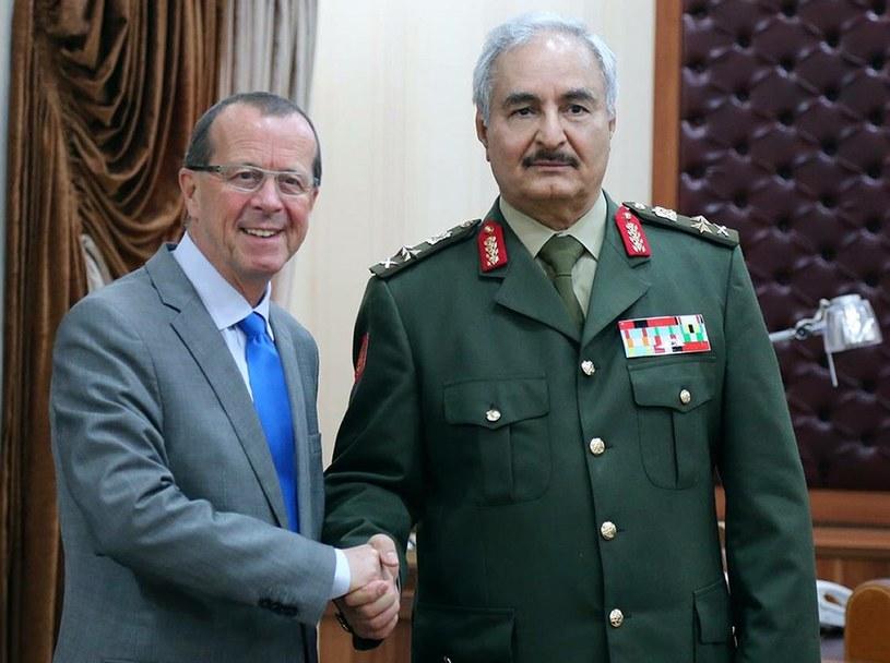 Martin Kobler i generał Khalifa Haftar /AFP