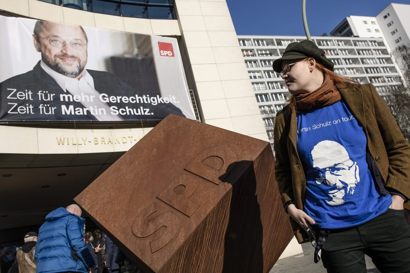 Martin Schulz pokona Angelę Merkel? /PAP/EPA