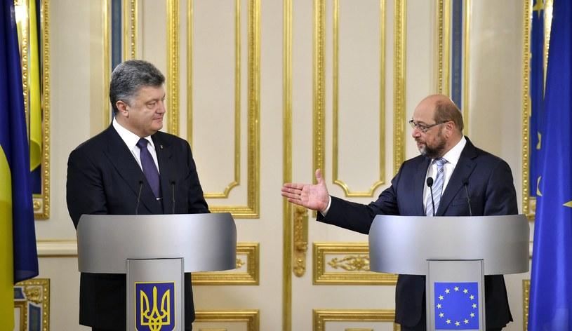 Martin Schulz (z prawej) i prezydent Ukrainy Petro Poroszenko /AFP