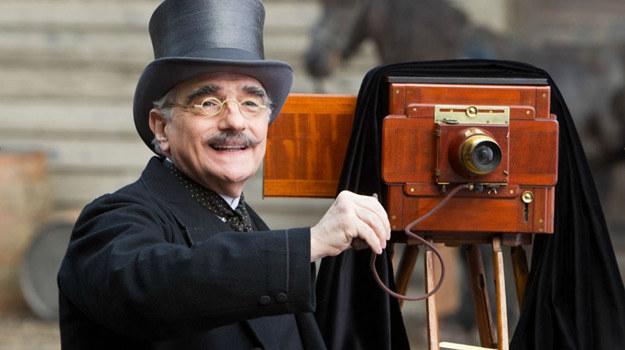 """Martin Scorsese w scenie z filmu """"Hugo i jego wynalazek"""" /materiały dystrybutora"""