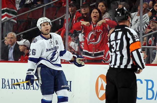 Martin St. Louis trzy razy pokonał bramkarza New Jersey Devils /AFP