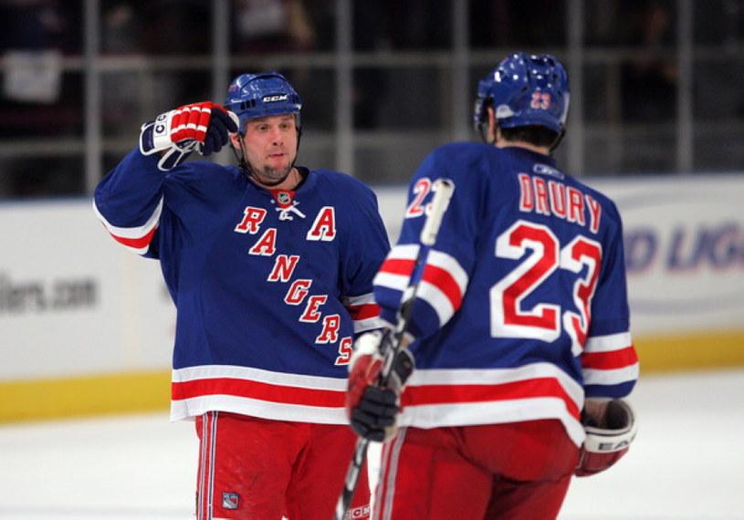 Martin Straka i Chris Drury w okresie występów w New York Rangers /AFP