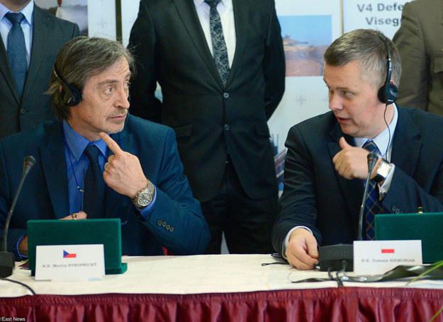 Martin Stropnicky i Tomasz Siemoniak /AFP /East News