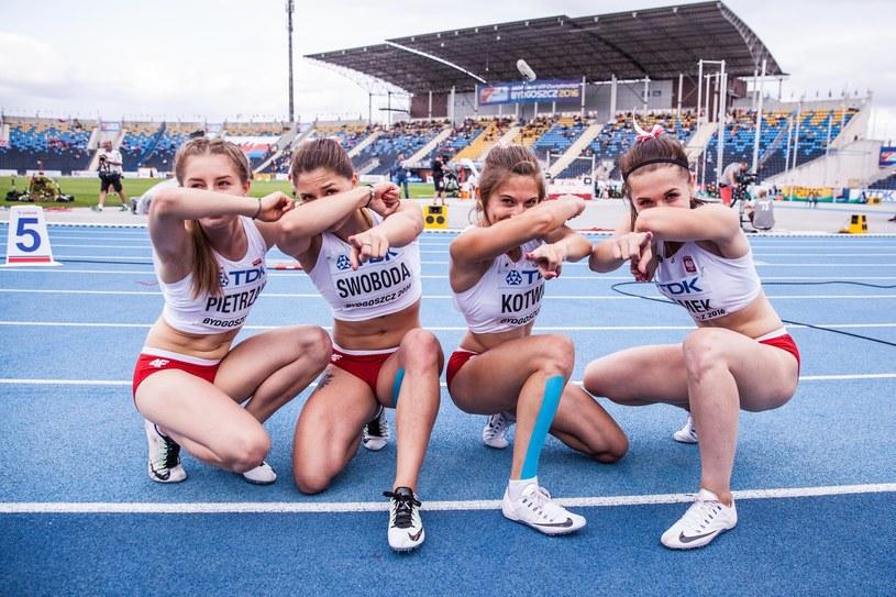 Martyna Kotwiła (druga z prawej) /Aleksandra Szmigiel-Wisniewska/REPORTER /