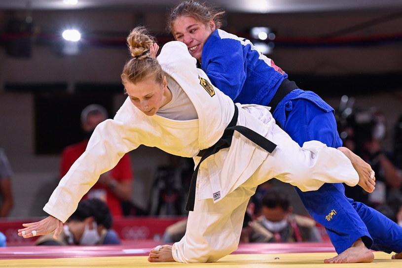 Martyna Trajdos (w białym stroju) /ZSOLT CZEGLEDI /PAP/EPA