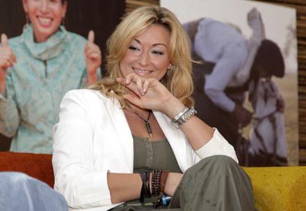 Martyna Wojciechowska wie, jak zachęcić męską część widowni do oglądania jej programu /AKPA