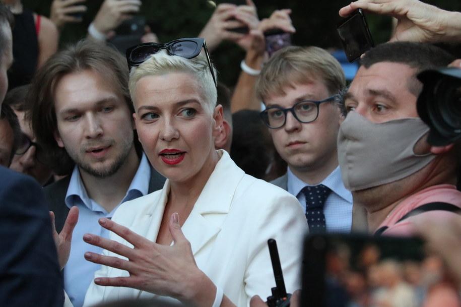 Maryja Kalesnikawa, współpracownica najpoważniejszej rywalki Alaksandra Łukaszenki w wyborach prezydenckich - Swiatłany Cichanouskiej /TATYANA ZENKOVICH  /PAP/EPA