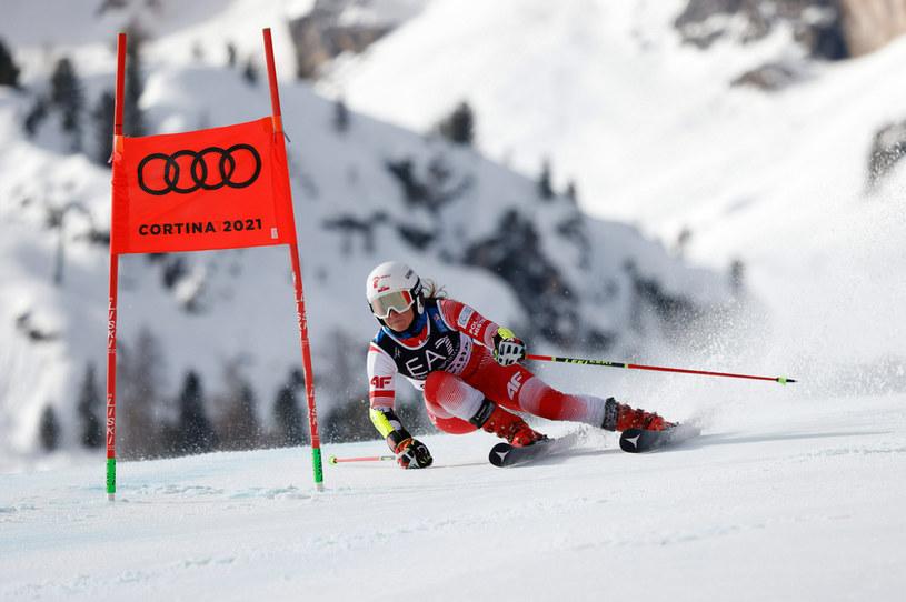 Maryna Gąsienica-Daniel na trasie slalomu równoległego podczas MŚ 2021 w Cortina d'Ampezzo / Alexis Boichard/Agence Zoom /Getty Images