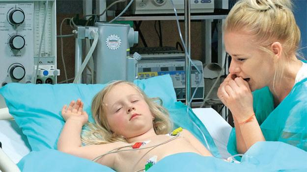 Marysia będzie zrozpaczona, gdy dowie się, że jej dziecko może umrzeć /ATM
