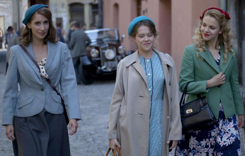 Marysia, Irka i Ewka – trzy młode dziewczyny, które postanawiają odegrać się na okupantach. /A. Grochowska /TVP