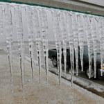Marznące opady w północno-wschodniej Polsce, wiatr na południu. IMGW ostrzega!
