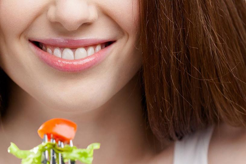 Marzysz o zdrowych, lśniących i mocnych włosach? Zmień dietę i wprowadź do menu przyjazne im produkty /123RF/PICSEL