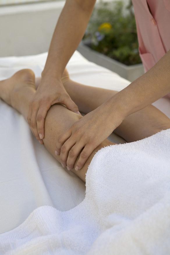 masaż łagodzi urazy /© Photogenica