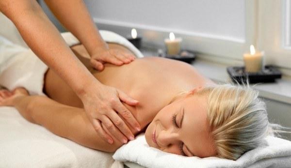masaż poprawia nastrój /© Photogenica