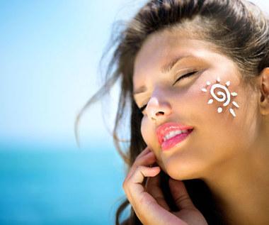 Masaż ziołowymi stemplami poprawia kondycję skóry
