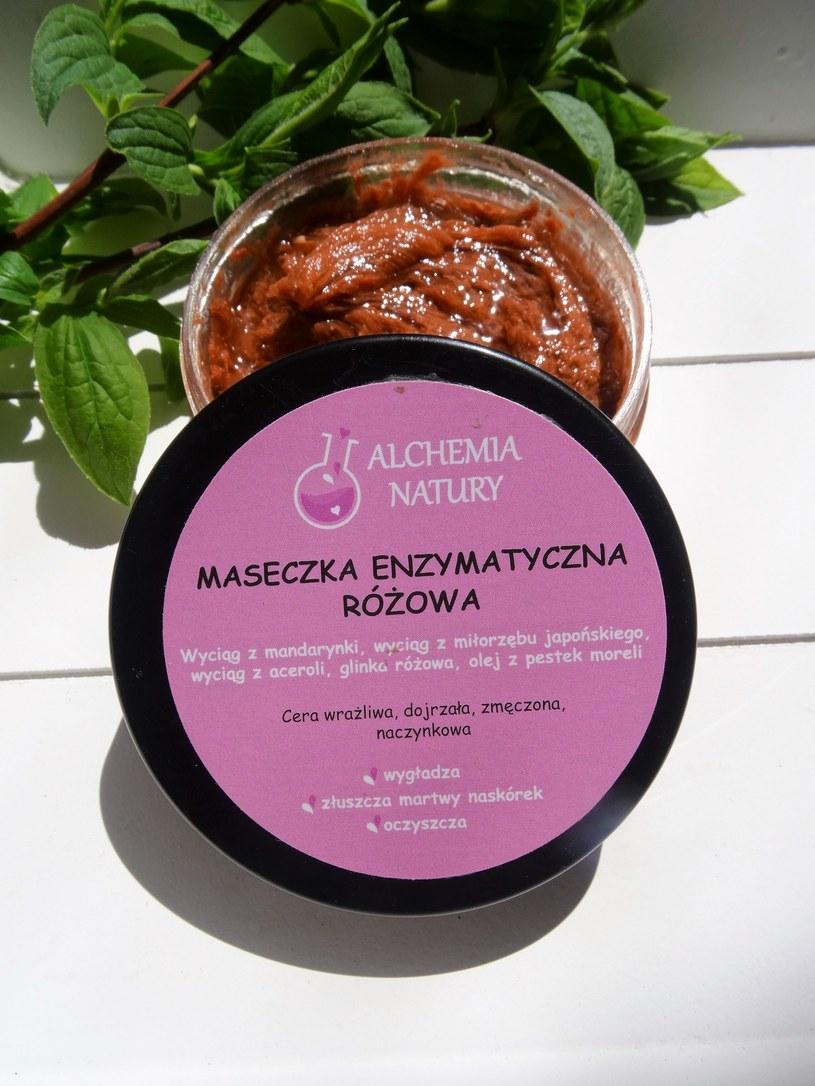 Maseczka enzymatyczna różowa Alchemia Natury /INTERIA.PL/materiały prasowe