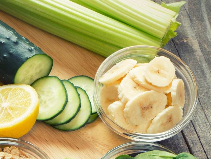 Maseczka z banana i ogórka potrafi zdziałać cuda /123RF/PICSEL