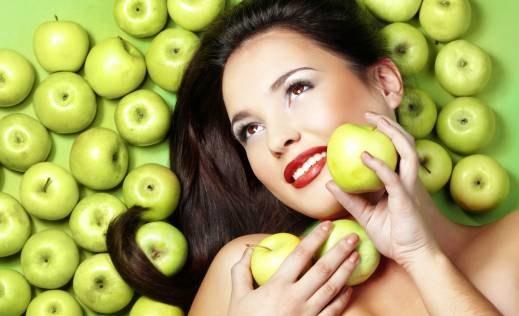 maseczka z jabłek /© Photogenica