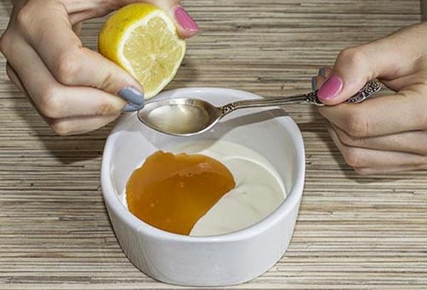 maseczka z jogurtu greckiego /© Photogenica