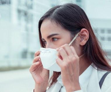 Maseczki wielorazowe: Jakich błędów unikać przy noszeniu? Jak je prać?