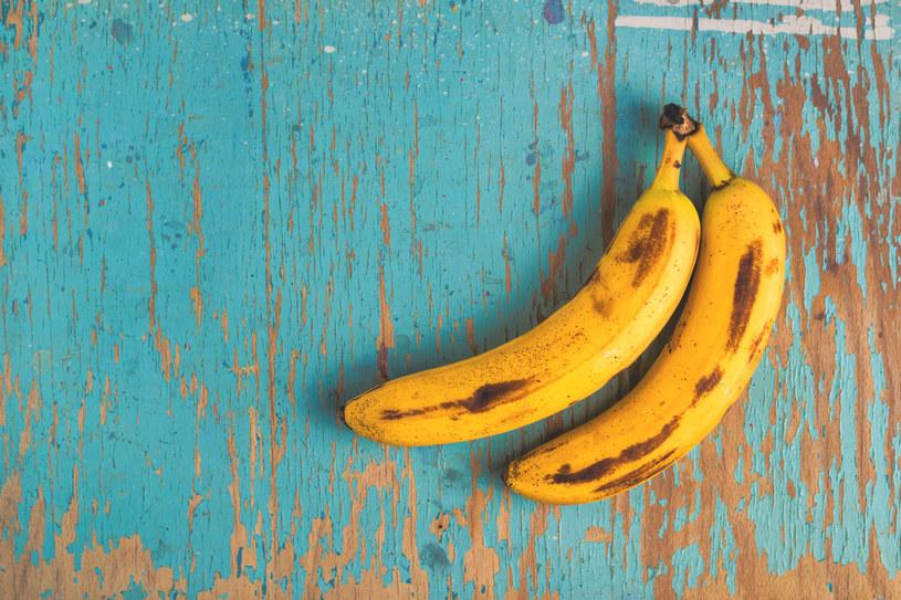 Maseczki z bananów zrobisz w kilka chwil. Z powodzeniem zastąpią produkty z drogerii /123RF/PICSEL