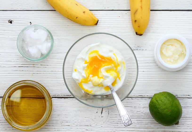 Maseczki z surowych jajek są dobrze znane starszym pokoleniom /123RF/PICSEL