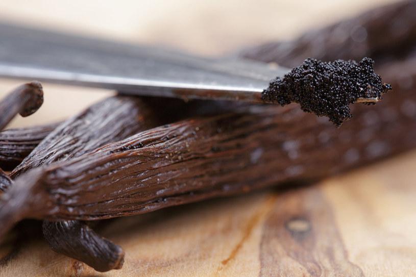 Maseczki z wanilii, czekolady czy migdałów możesz przygotować sama /123RF/PICSEL