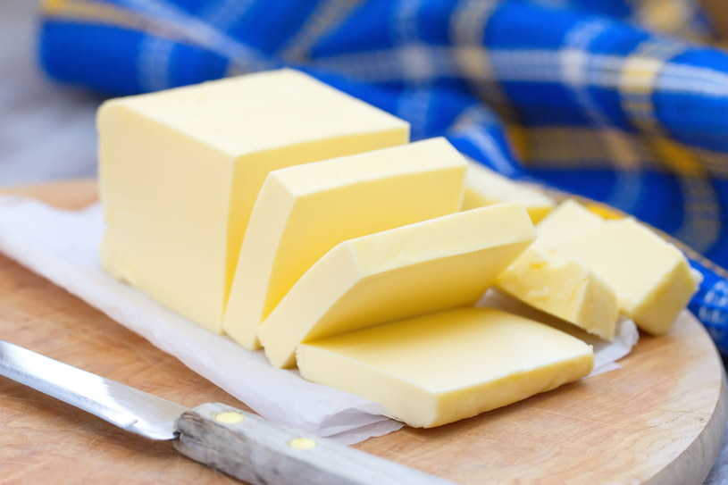 Masło dostarcza organizmowi niezbędnych do funkcjonowania substancji /123RF/PICSEL