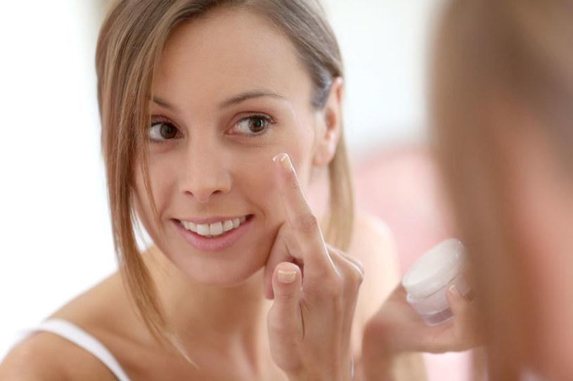 Masło shea wygładza skórę i pomaga w walce z trądzikiem /123RF/PICSEL
