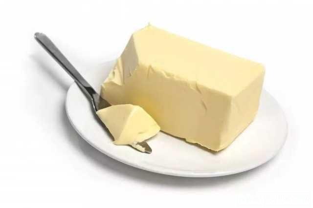 Masło w lodówce /© Photogenica