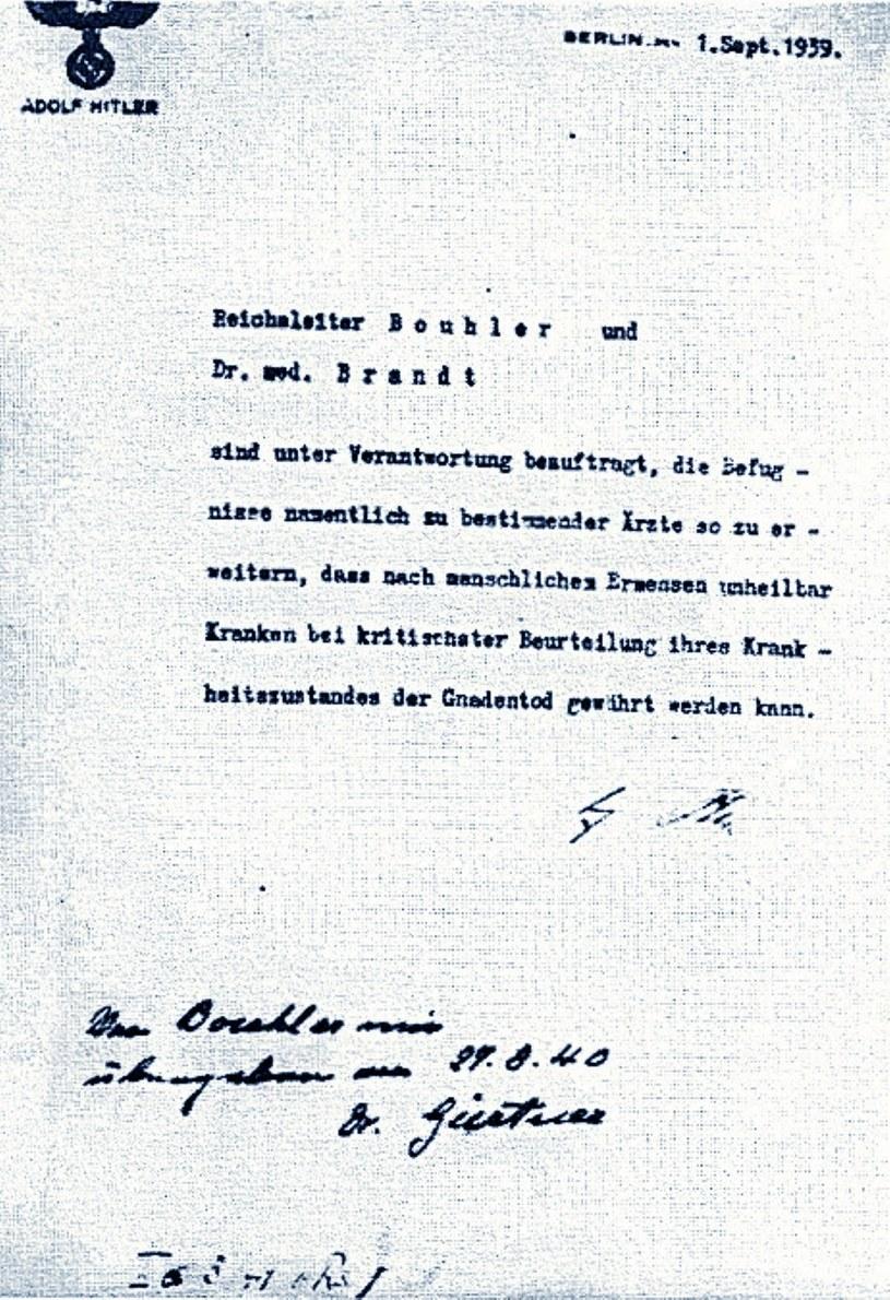 Masowe mordowanie chorych ruszyło z polecenia Adolfa Hitlera /East News