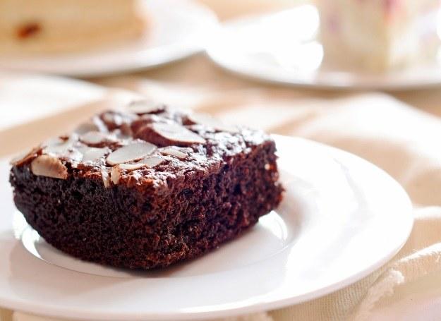Masz ochotę na ulubione ciasto, ale boisz się o swoją wagę? Niepotrzebnie! /123RF/PICSEL