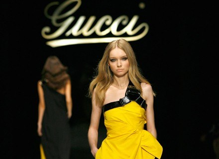 Masz w szafie suknię Gucci? /Getty Images/Flash Press Media