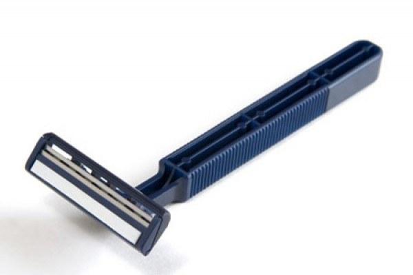 Maszynka do golenia użytkowanie /© Photogenica