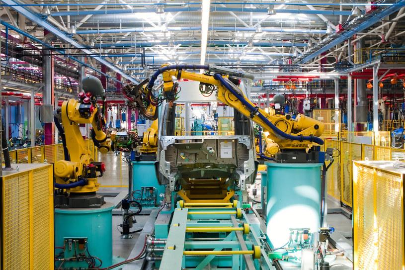 Maszyny coraz częściej zastępują ludzi /123RF/PICSEL