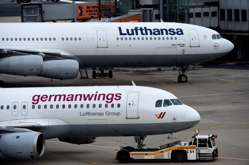 Maszyny Lufthansy i Germanwings na lotnisku w Dusseldorfie /Patrick Stollarz /AFP