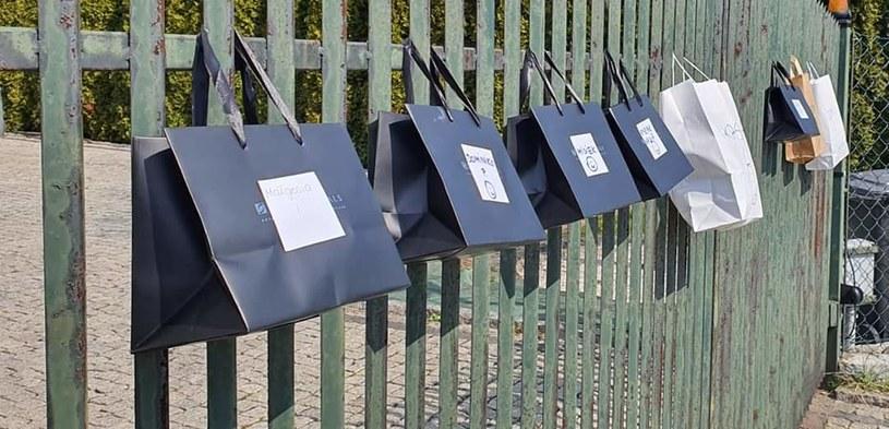 Materiały i gotowe maseczki przekazywane są bezkontaktowo /archiwum prywatne