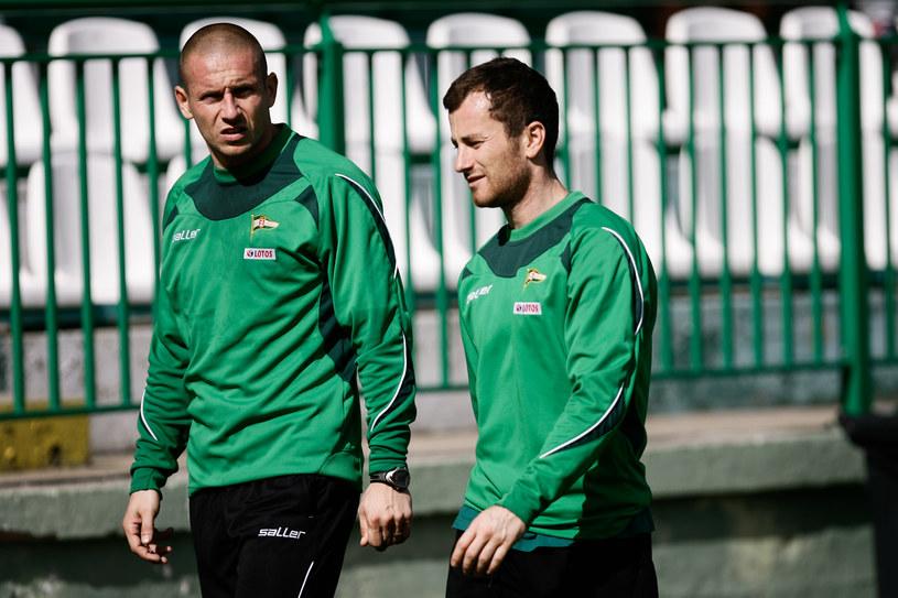 Mateusz Bąk (z lewej) i Piotr Wiśniewski /Wojciech Figurski /Newspix