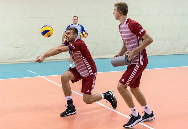 Mateusz Bieniek i Artur Szalpuk na treningu / Maciej Kulczyński    /PAP