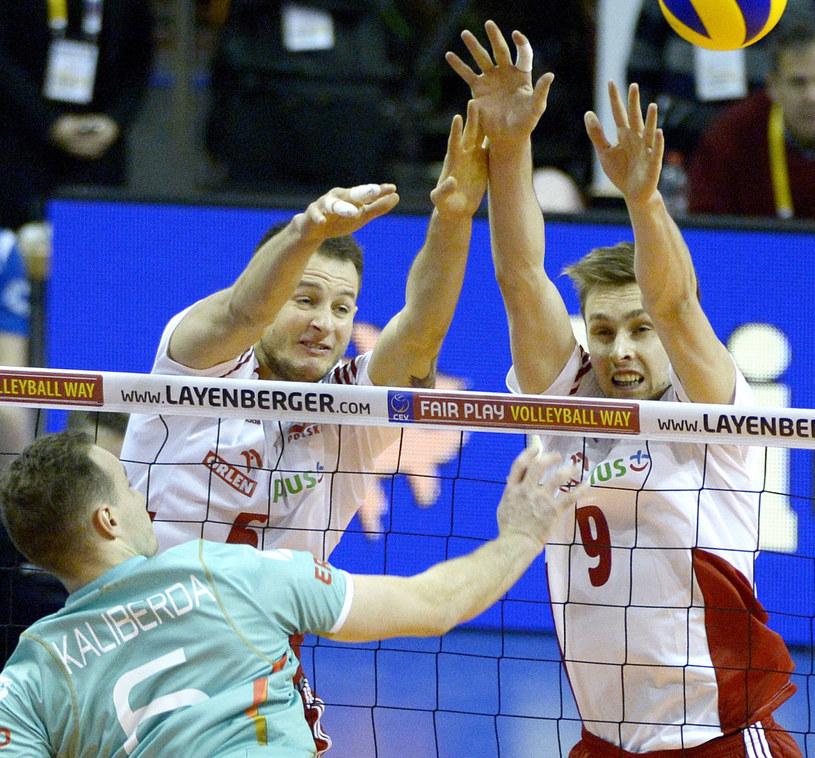 Mateusz Bieniek (z prawej) i Bartosz Kurek oraz Niemiec Denys Kaliberda /Darek Delmanowicz /PAP