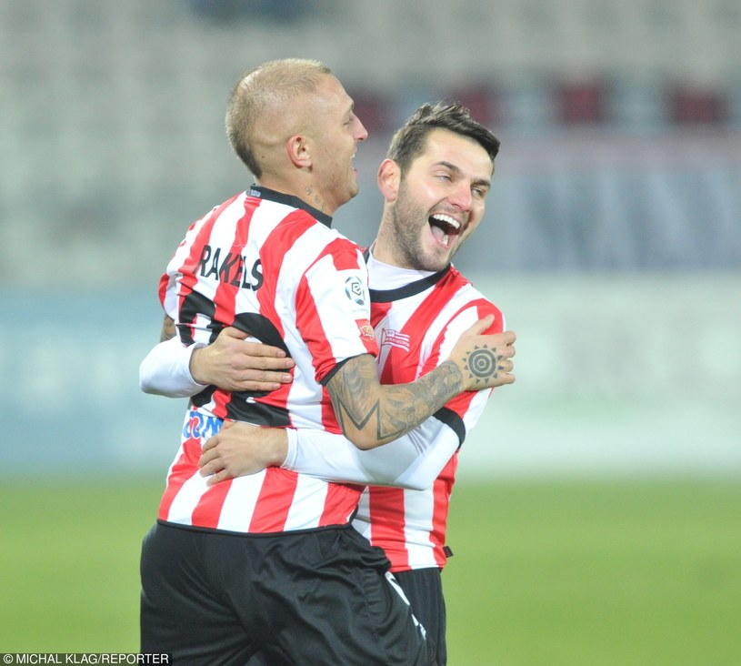 Mateusz Cetnarski (z prawej) /Michał Klag /East News