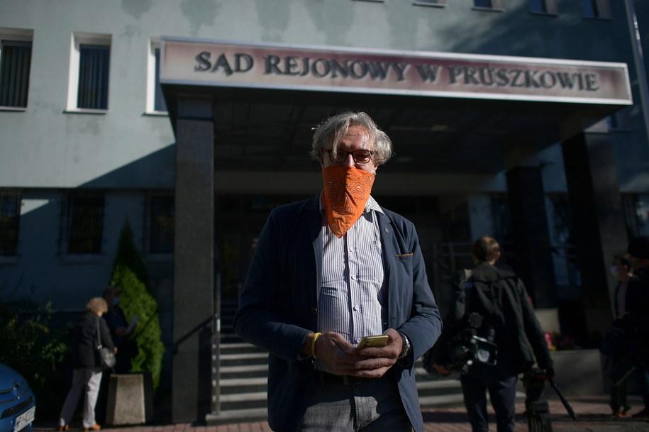 Mateusz Kijowski przed siedzibą Sądu Rejonowego w Pruszkowie / Marcin Obara  /PAP