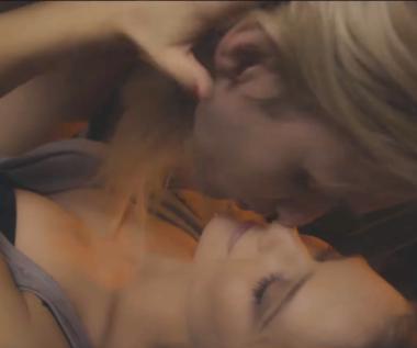 """Mateusz Maga i jego pierwszy pocałunek (zobacz teledysk """"First Kiss"""")"""