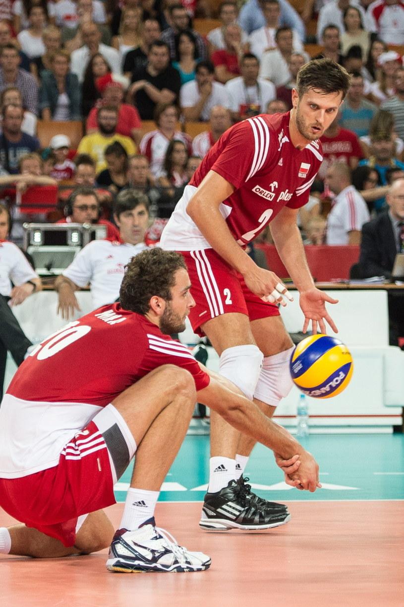 Mateusz Mika (z lewej) i Michał Winiarski podczas wtorkowego meczu Polska - Australia (3:0) /Maciej Kulczyński /PAP