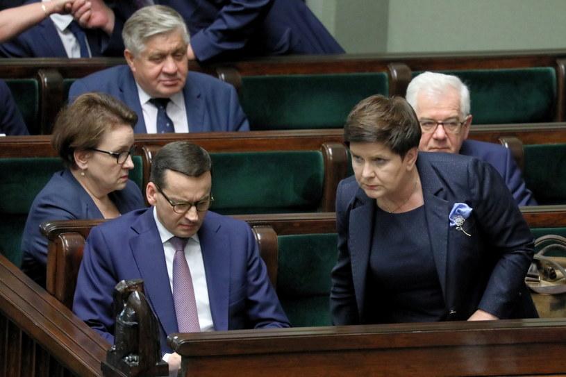 Mateusz Morawiecki i Beata Szydło w Sejmie /Tomasz Gzell   /PAP