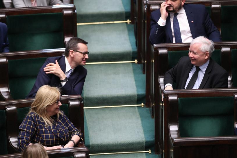 Mateusz Morawiecki i Jarosław Kaczyński w Sejmie /fot. Andrzej Iwanczuk /Reporter